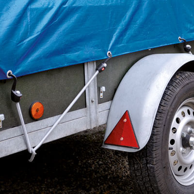 Trailer with TÜV approved bungee cords