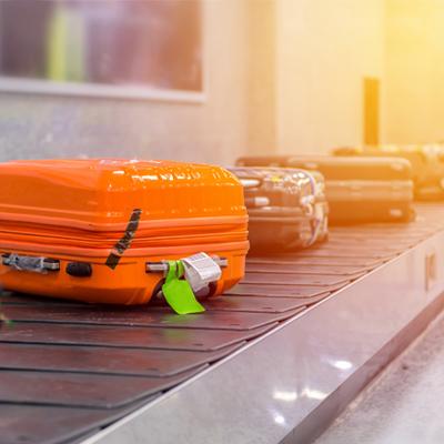 Koffer auf Gepäckband