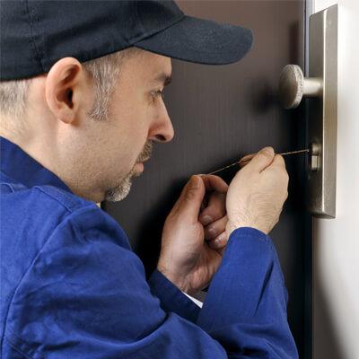 Locksmith on the job